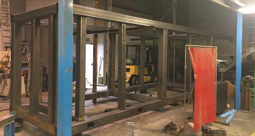 ascenseur métallique